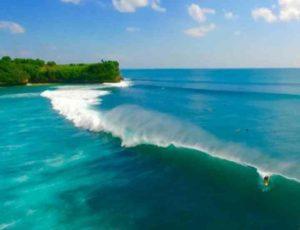 советую посетить великолепные серф-споты на пляжах: Бингин, Дримлэнд, Баланган и Улувату.