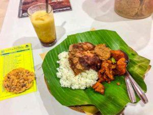 Каждый остров, в составе индонезийского архипелага, имеет некоторые отличия в плане питания, но основа повторяется.