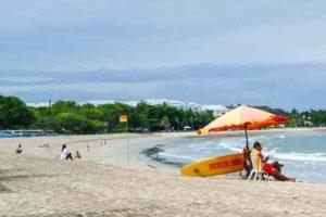 Этот курортный район идеально подходит для обучения начинающих серферов