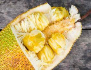 Это фрукт очень питательный