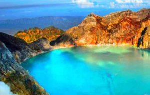 вулканическое озеро, которое имеет самую высокую кислотность в мире
