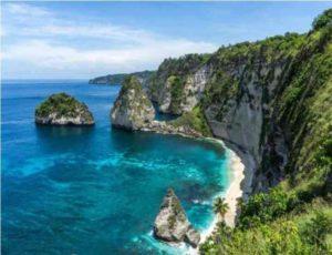 Если отправляться на Нуса Пенида со своим транспортом, следует ехать в порт Санур или Паданг Бэй