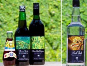Ангур представлен в виде виноградного вина, которое из-за добавления трав, имеет очень приятный и насыщенный запах.